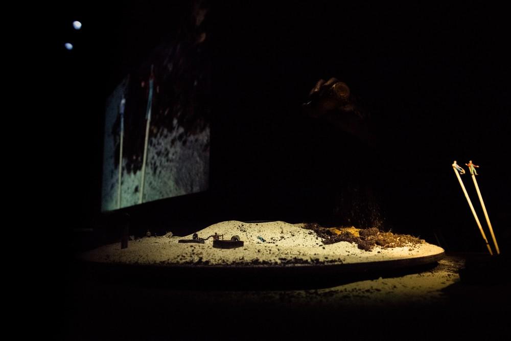 36e Dessous - © La Reine Blanche